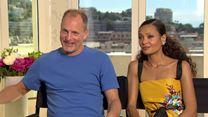 Solo : Woody Harrelson et Thandie Newton reviennent sur le départ de Phil Lord et Chris Miller