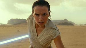 """Star Wars 9 : un twist """"très malin"""" annoncé par Richard E. Grant"""