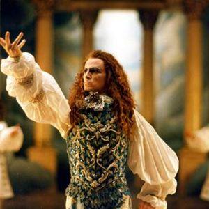 Le roi danse online dating