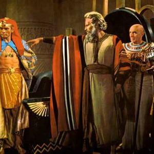 Les Dix commandements : Photo Cecil B. DeMille, Charlton Heston, Yul Brynner