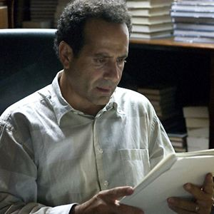 Photos de tony shalhoub allocin for Chambre 1408 allocine