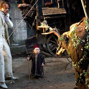 L'Imaginarium du Docteur Parnassus : Photo Heath Ledger, Verne Troyer