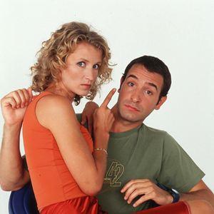 un gars une fille s rie tv 1999 allocin. Black Bedroom Furniture Sets. Home Design Ideas