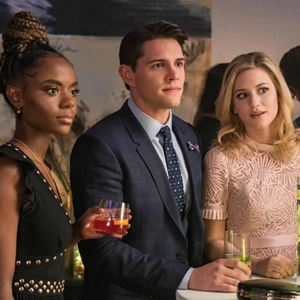 Photo Ashleigh Murray, Casey Cott, Lili Reinhart