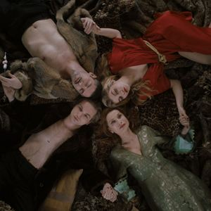 Une jeunesse dorée : Photo Galatea Bellugi, Isabelle Huppert, Lukas Ionesco, Melvil Poupaud