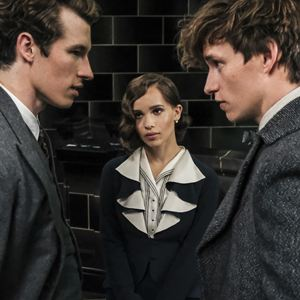 Les Animaux fantastiques : Les crimes de Grindelwald : Photo Callum Turner, Eddie Redmayne, Zoë Kravitz