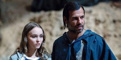 Bande-annonce Les Fauves : Lily-Rose Depp et Laurent Lafitte dans une inquiétante chasse à l'homme