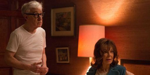 """D'après le créateur de The Crown, Woody Allen """"a détesté plus que tout"""" faire sa série"""