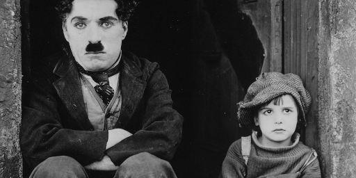 Le Kid : le classique de Chaplin aura droit à son remake animé... en mode SF !