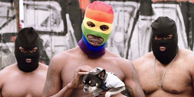 Coexister : quand des rappeurs gangstas sortent les kalachs roses et drapeaux arc-en-ciel