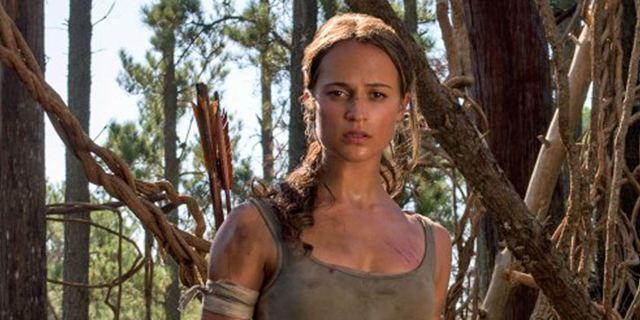 Tomb Raider : Alicia Vikander sort l'arc de Lara Croft sur la nouvelle affiche
