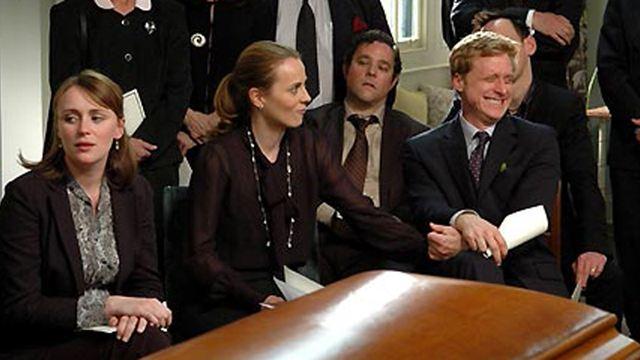"""Ce soir à la télé : on mate """"Essaye-moi"""" et """"Joyeuses funérailles"""""""