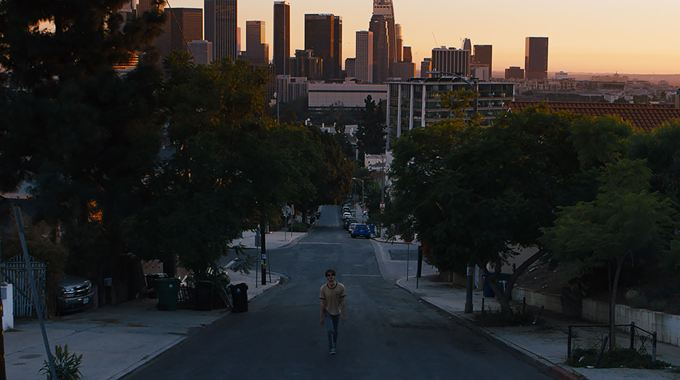 Photo 1 pour Under The Silver Lake