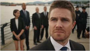 Arrow saison 5 : Oliver Queen menacé sur les images du season premiere