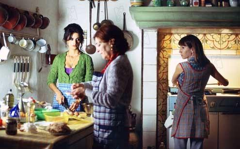 Volver : photo Carmen Maura, Pedro Almodóvar, Penélope Cruz