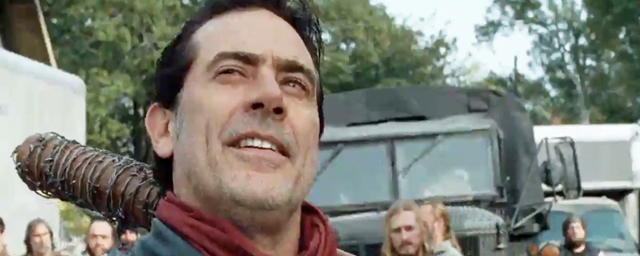 The Walking Dead : Rick et Negan se font face dans le teaser du final de la saison 7