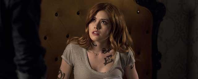 Shadowhunters : L'arrivée de la Reine des Fées, la relation Jace/Clary... Kat McNamara nous tease la fin de la saison 2