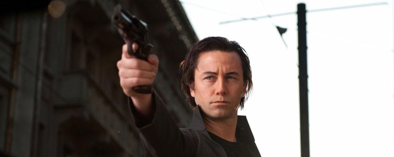 Looper sur Ciné+ Frisson : Bruce Willis déstabilisé par sa version jeune, Joseph Gordon-Levitt