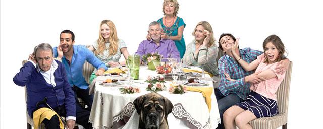 En famille : Tarek Boudali quittera la série de M6 à l'issue de la saison 7