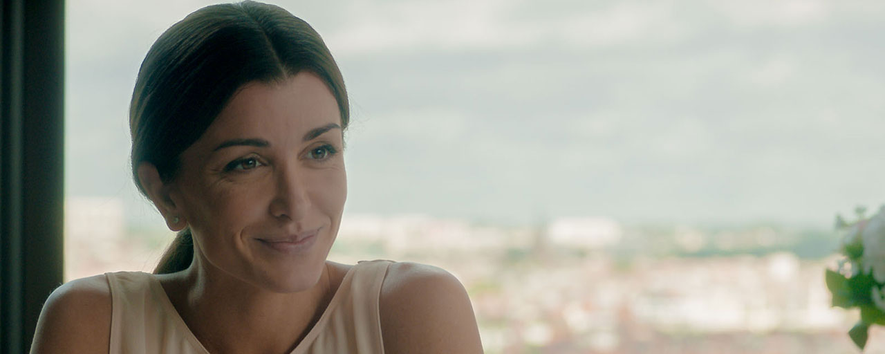Le Temps est assassin : Jenifer sera l'une des stars de la mini-série TF1 adaptée de Michel Bussi
