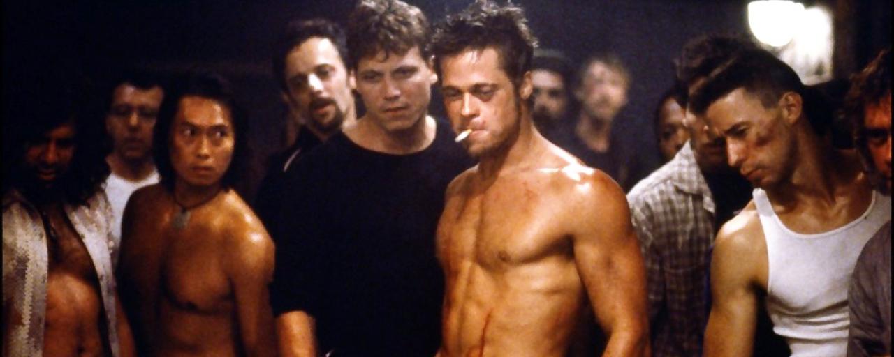 Fight Club sur Ciné + Frisson : boxe, régime, dent cassée... Brad Pitt a tout donné pour jouer Tyler Durden !