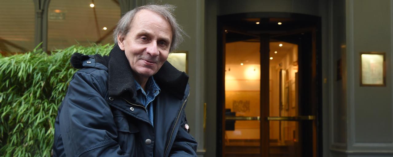 Soumission: le roman de Michel Houellebecq va être adapté en série par Guillaume Nicloux