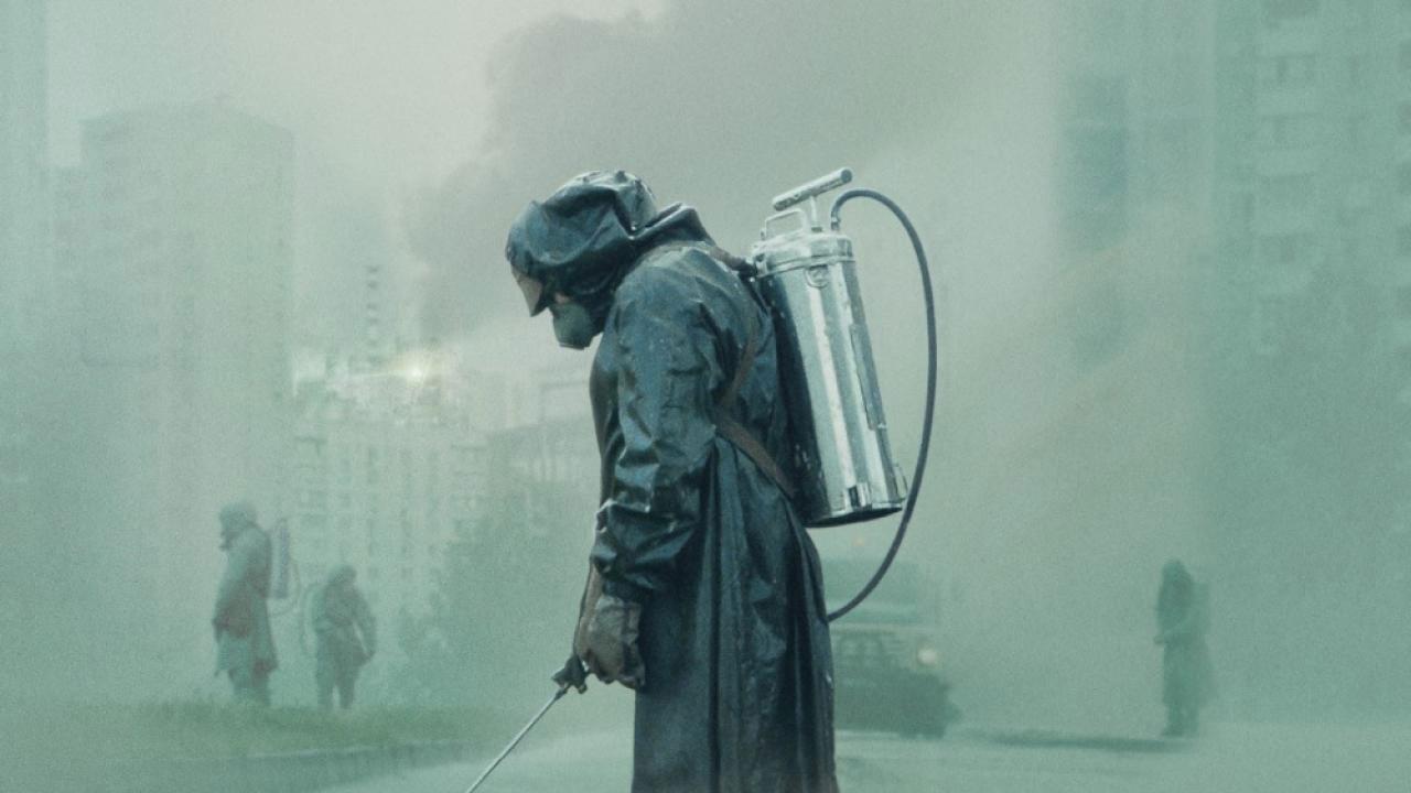 """Chernobyl : on débriefe """"la meilleure série de l'histoire"""" dans notre podcast"""