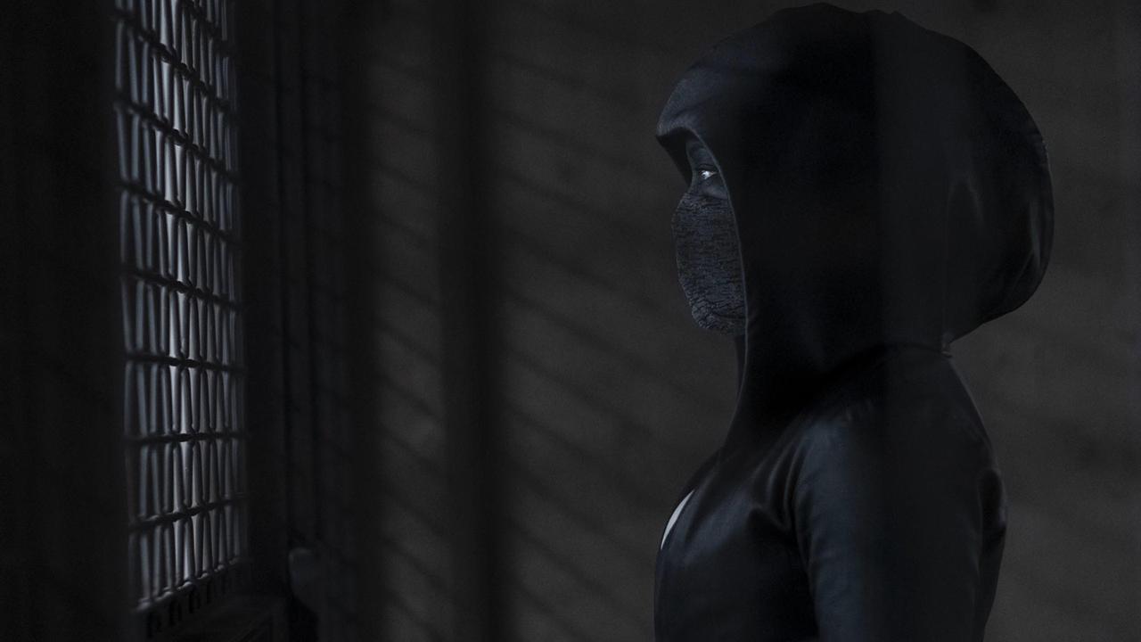 """Watchmen sur OCS : """"à couper le souffle"""", """"revigorante"""", """"pertinente""""... Que pense la presse de la série SF événement ?"""