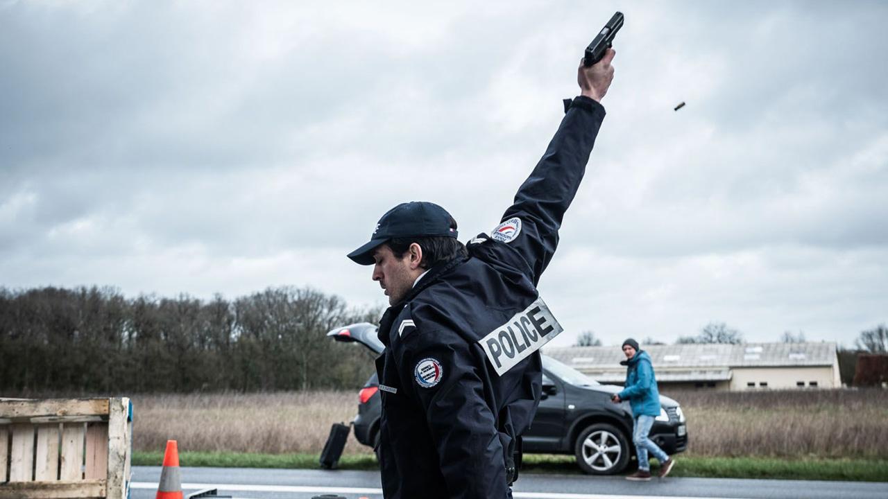 L'Effondrement sur Canal+ : que vaut la série filmée entièrement en plan-séquence ?