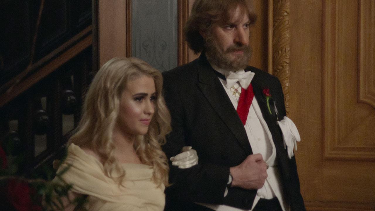 Borat 2 sur Amazon Prime Video : qui est Maria Bakalova, la fille de Sacha Baron Cohen dans le film ?