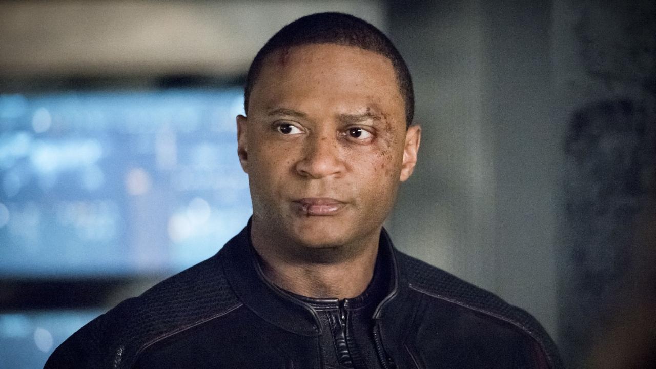 Arrow : David Ramsey (Diggle) bientôt de retour dans Flash, Legends of Tomorrow, et Supergirl