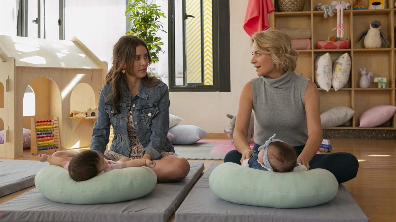 Deux mamans sous le même toit sur Netflix : c'est quoi cette série par la scénariste de Jane The Virgin ?