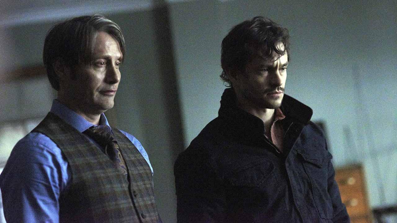 Hannibal : Mads Mikkelsen et Hugh Dancy voulaient que leurs personnages s'embrassent