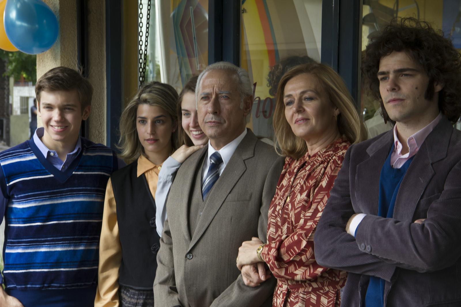El Clan : Photo Franco Masini, Giselle Motta (II), Guillermo Francella, Lili Popovich, Peter Lanzani