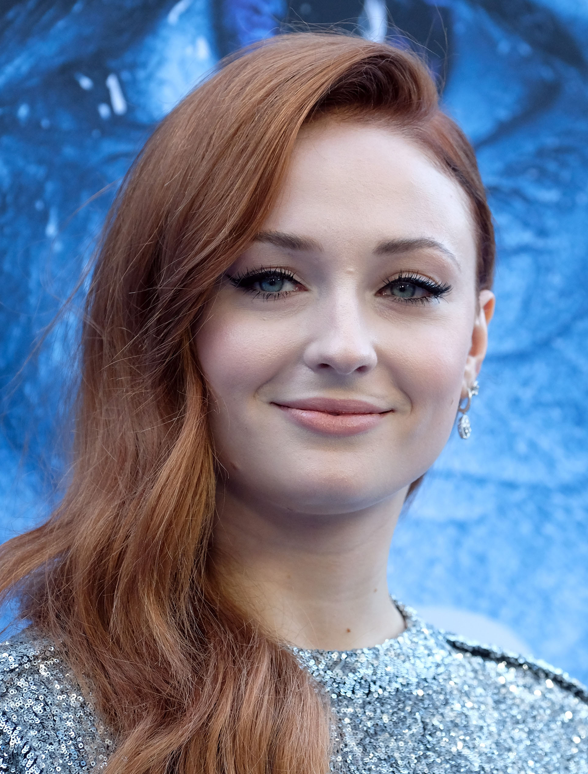 Sophie turner sa biographie allocin for Biographie de afida turner