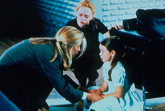 L'Elue : Photo Angela Bettis, Holliston Coleman, Kim Basinger