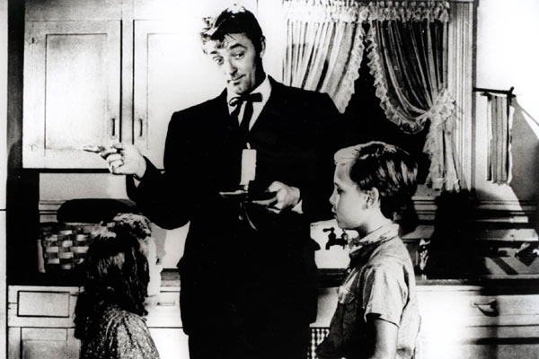 La Nuit du chasseur : Photo Billy Chapin, Charles Laughton, Robert Mitchum, Sally Jane Bruce