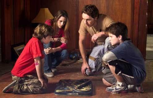 Zathura : une aventure spatiale : Photo Dax Shepard, Jonah Bobo, Josh Hutcherson, Kristen Stewart