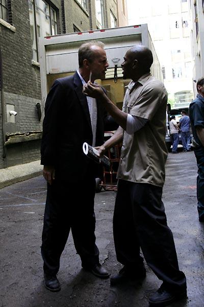 16 Blocs : Photo Bruce Willis, Yasiin Bey