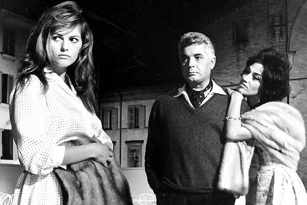 La Fille à la valise : Photo Claudia Cardinale, Valerio Zurlini