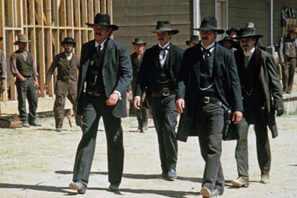 Wyatt Earp : Photo Dennis Quaid, Kevin Costner, Lawrence Kasdan, Linden Ashby, Michael Madsen