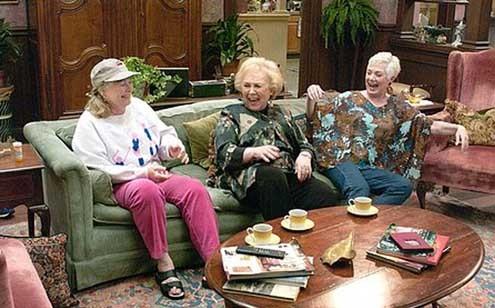 Crazy Party : Photo Doris Roberts, Shirley Jones, Shirley Knight