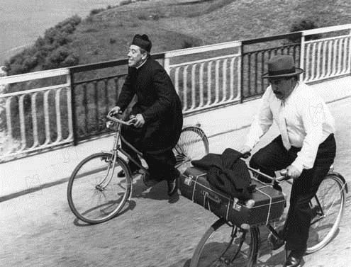 La Grande bagarre de Don Camillo : Photo Carmine Gallone, Fernandel, Gino Cervi