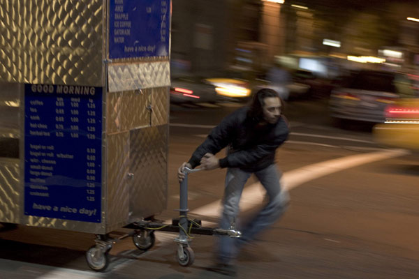 Man Push Cart : Photo Ramin Bahrani