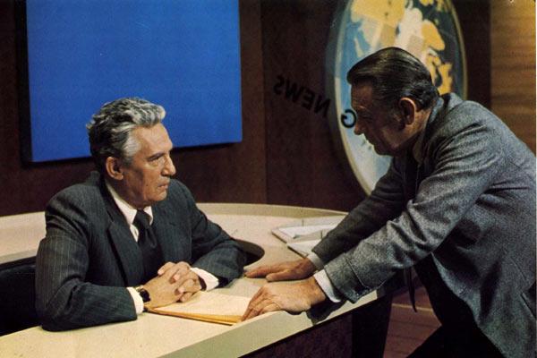 Network, main basse sur la télévision : Photo Peter Finch, William Holden