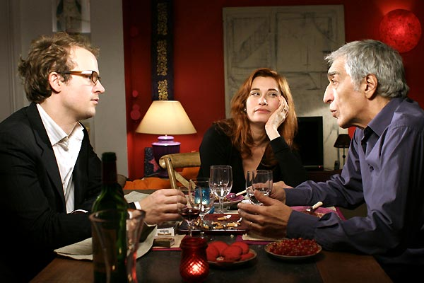 Deux vies plus une : photo Emmanuelle Devos, Gérard Darmon, Idit Cebula, Jocelyn Quivrin