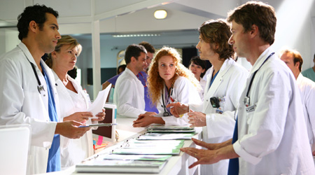 L'Hôpital : Photo Farid Bentoumi, Jean-Baptiste Marcenac, Léa Bosco, Yannick Soulier