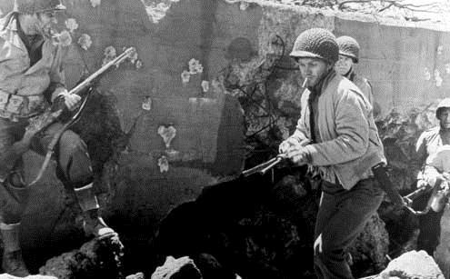 L'Enfer est pour les héros : Photo Don Siegel, Steve McQueen