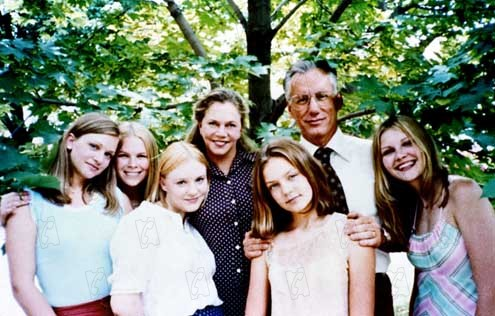 Virgin suicides : Photo A.J. Cook, Chelse Swain, James Woods, Kathleen Turner, Kirsten Dunst