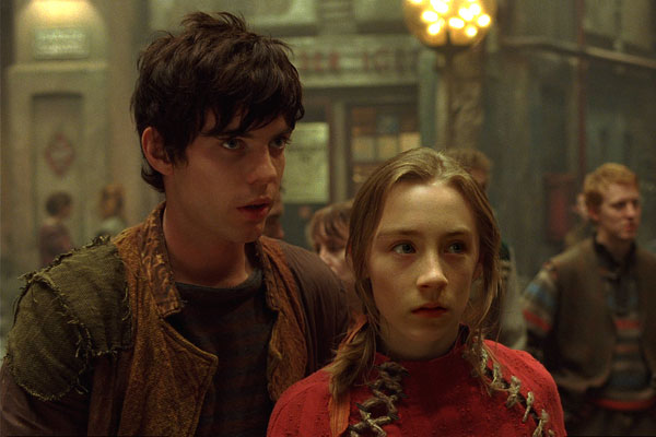 La Cité de l'ombre : Photo Gil Kenan, Harry Treadaway, Saoirse Ronan
